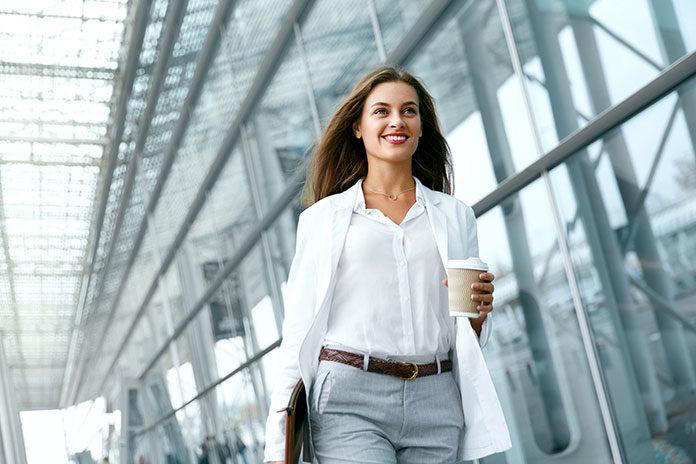 Smart casual – czuj się swobodnie, wyglądaj stylowo